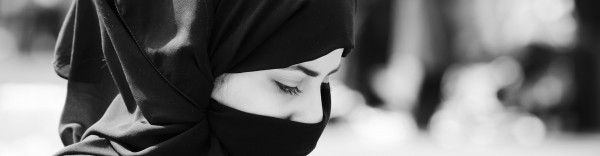 Muslim-woman-with-veil-2-e1395348580212.
